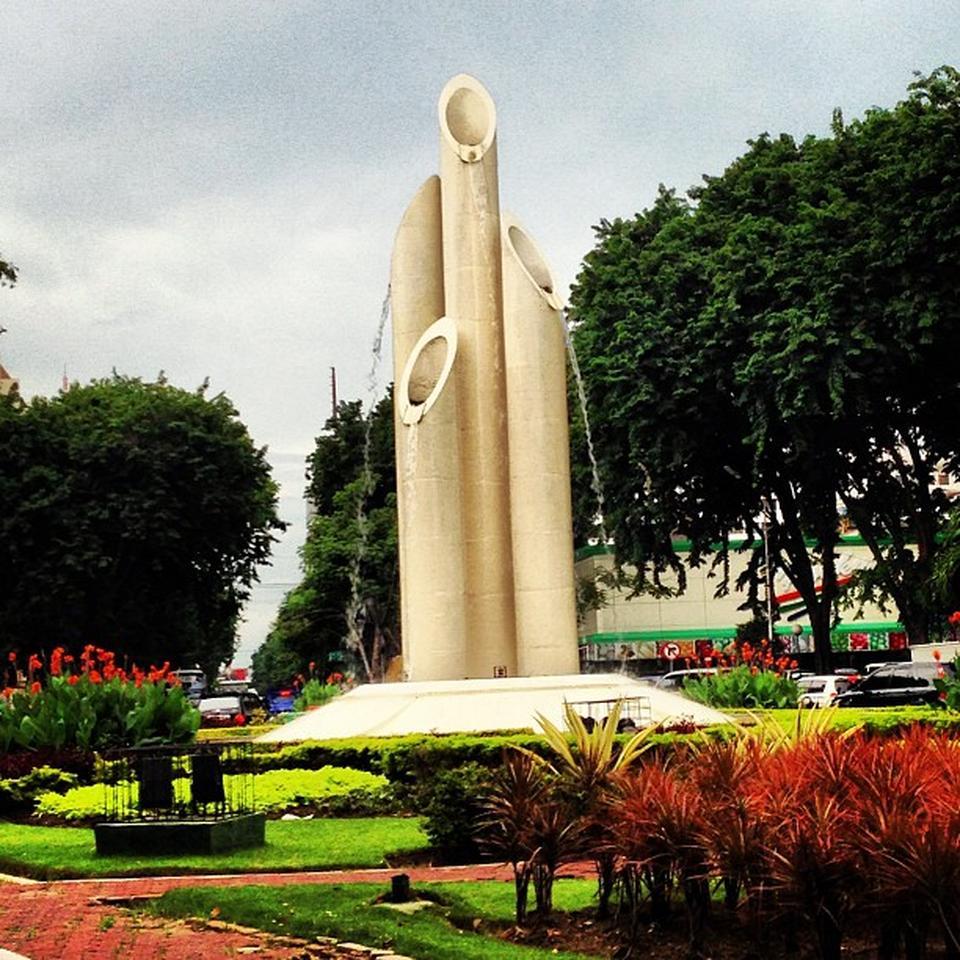 monumen bambu runcing